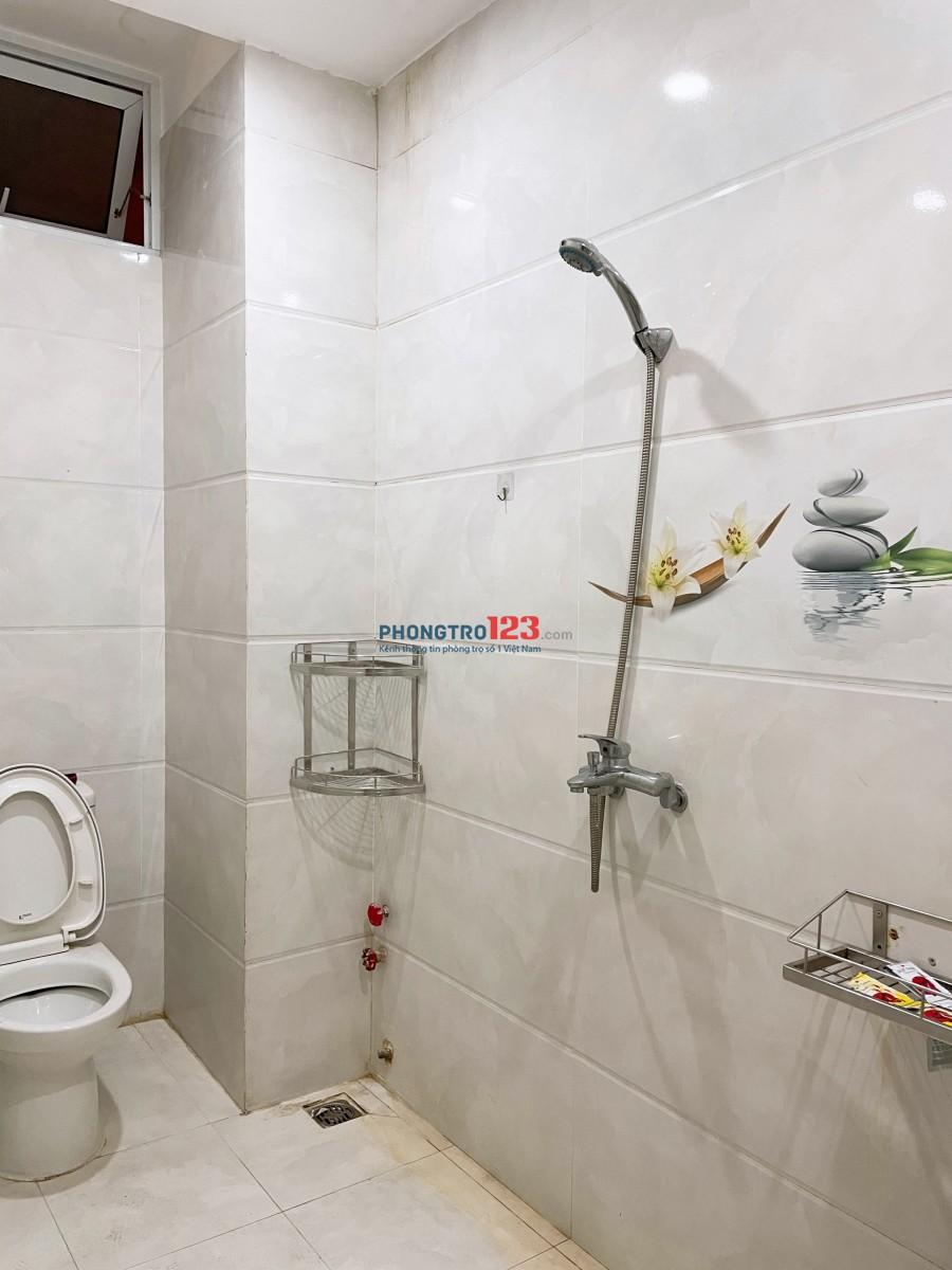 Phòng cao cấp đủ tiện nghi Tân Bình