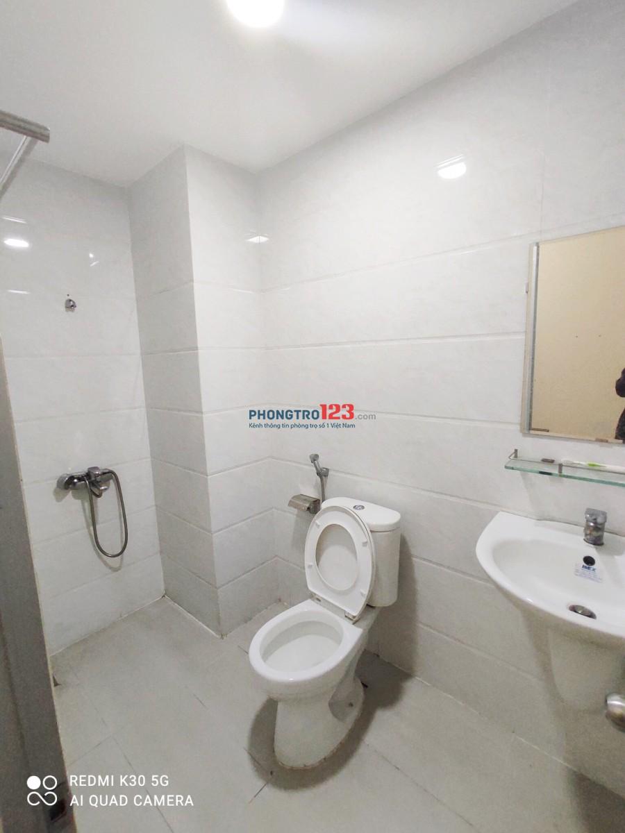Phòng Ban công CAO CẤP rộng 30m2 ngay trung tâm quận Bình Thạnh <333