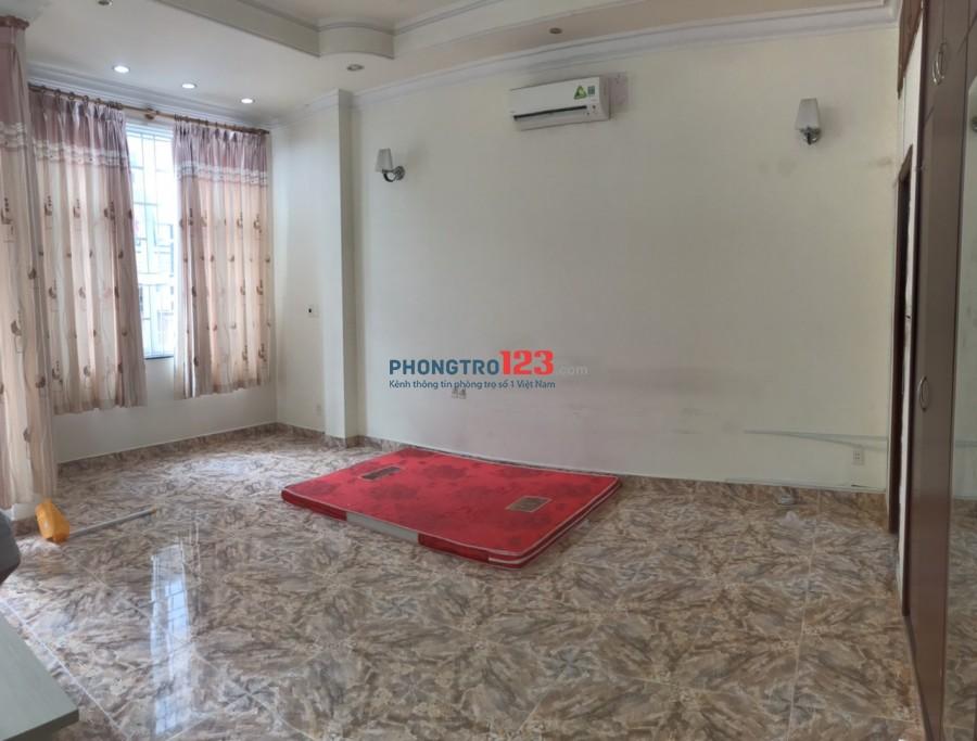 Còn 1 phòng cho thuê 40m2 tại 7B/105/44 Thành Thái P14 Q10 giá 5tr/th
