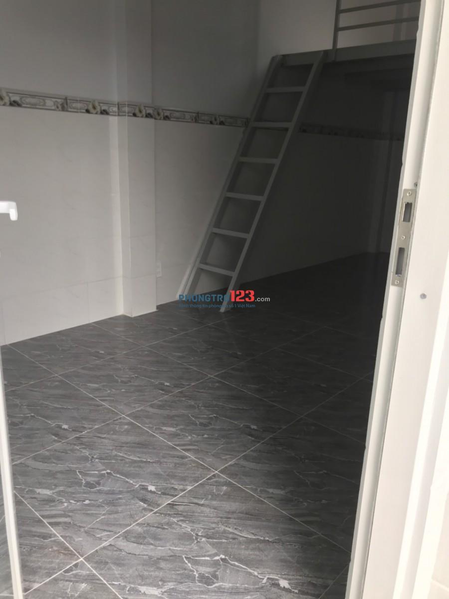 Còn 1 phòng mới xây cho ( Nử ) thuê, có gác lững, wc trong phong :