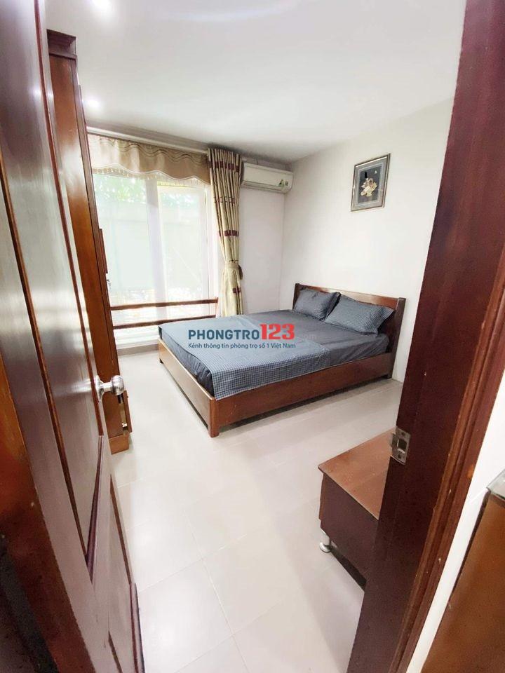 Cho thuê căn hộ 2 phòng ngủ 50m2 full đồ tại Lạc Long Quân, Tây Hồ giá chỉ 6tr/tháng