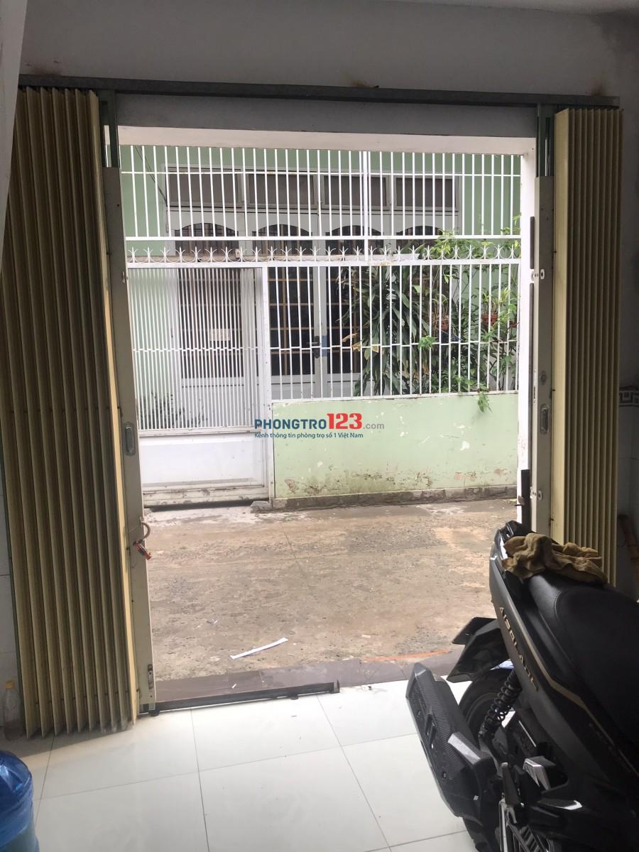 Cho thuê nhà nguyên căn 2,5tr 1 trệt 1 lầu gần chợ hiệp thành