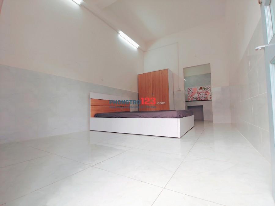 Một phòng duy nhất full nội thất cách ngã tư hàng xanh 200m