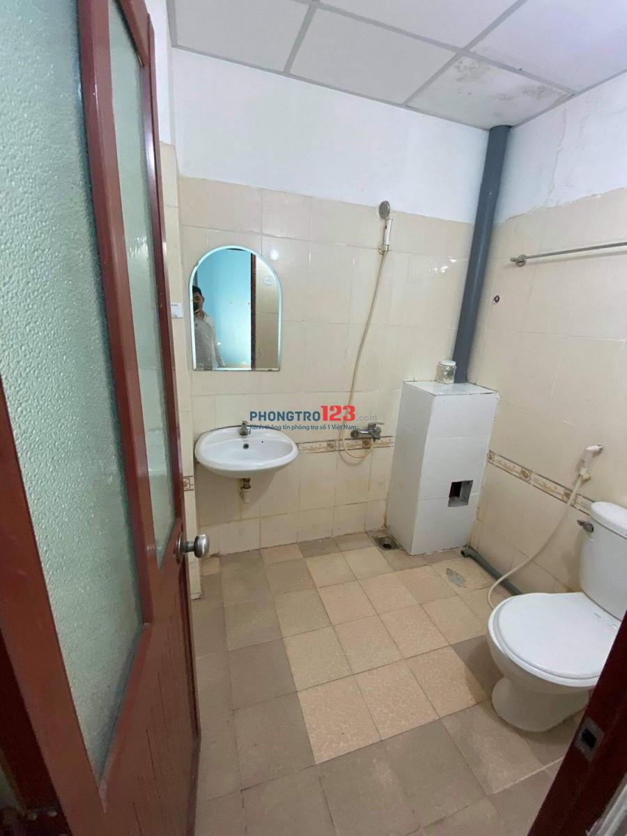 Phòng Full nội thất Ngay CMT8 Q3
