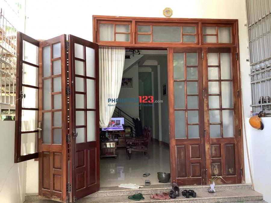 Nhà 80m2, 1 trệt, 1 lầu, mặt tiền thoáng mát, đầy đủ nội thất cần thiết