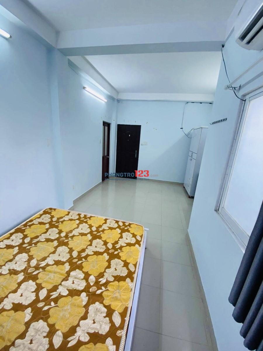 Phòng Full nội thất ngay CMT8 Quận 3