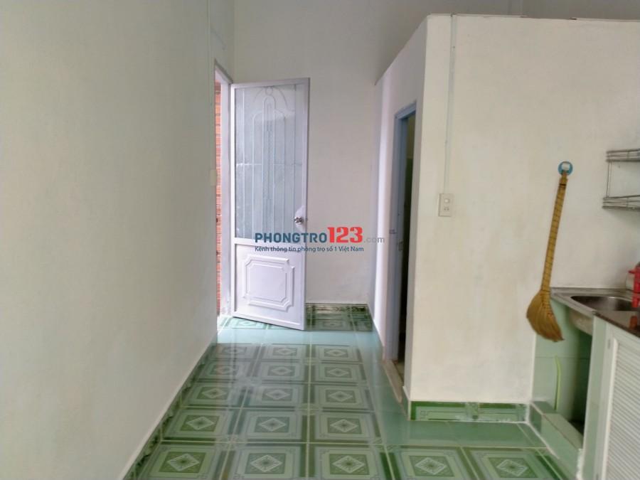 Nhà NC 2 PN rất thoáng mát rộng 110m2, gần chợ biển số 6 Lê Nghị Vĩnh Hoà 3.2tr/tháng sdt 0933845817 Hoa chính chủ