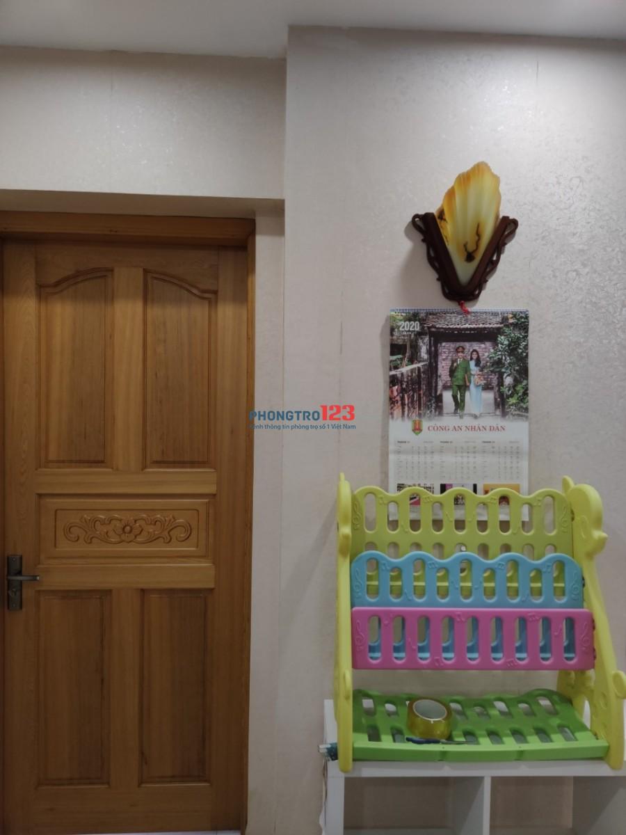 Cho thuê gấp căn hộ ở 101 Láng Hạ, 3 phòng ngủ đủ đồ 143m2 giá 18tr/tháng LH 0327582785