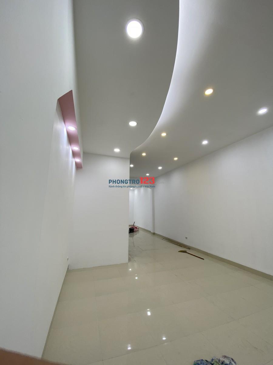 Cho thuê nhà 85m2 nhà 5 tầng gần mặt đường