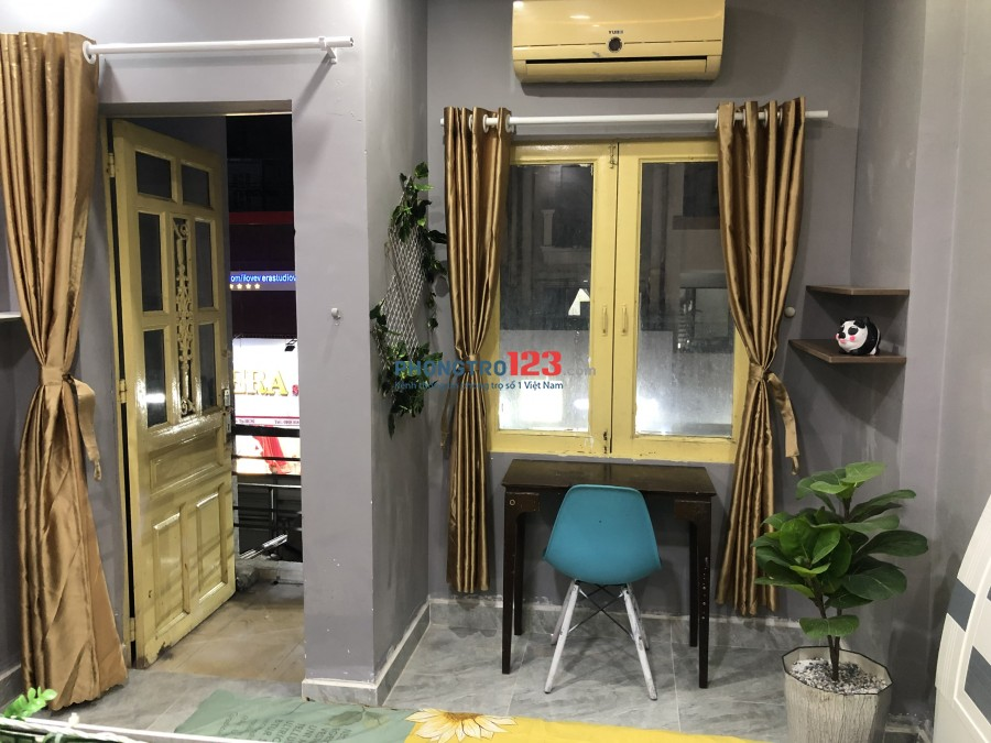 Phòng 30m2, ngay Tô Hiến Thành - Đồng Nai, lầu 2, cửa sổ, máy lạnh, giờ tự do