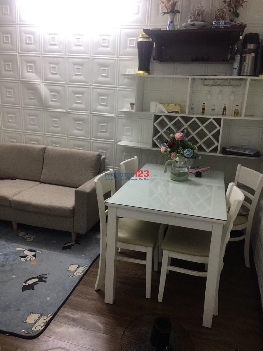 Cho thuê nhà tập thể tầng 5 tầng 6 khu Nghĩa Tân, Diện tích 40m2 giá thuê hổ trợ mùa dịch 4tr5/tháng