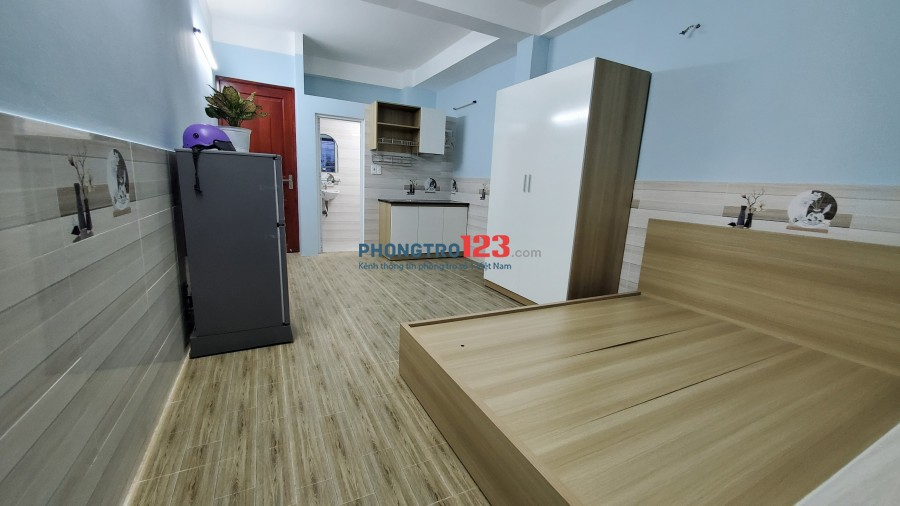 Phòng ban công mới xây trên đường Phan Anh ngay Bốn Xã, Đầm Sen. Full nội thất mới 100% giá chỉ từ 4 triệu/tháng