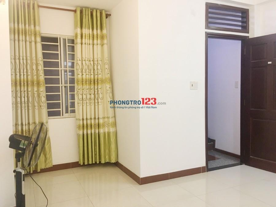 Phòng mới cao cấp, 364 Cộng Hoà, Giá 3tr có máy lạnh, cửa sổ, giếng trời cực mát