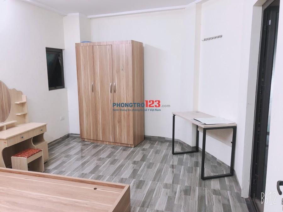 Chính chủ cho thuê phòng 1pn 1pk full đồ, khép kín, ban công 286 nguyễn Xiển gần Ecogreen