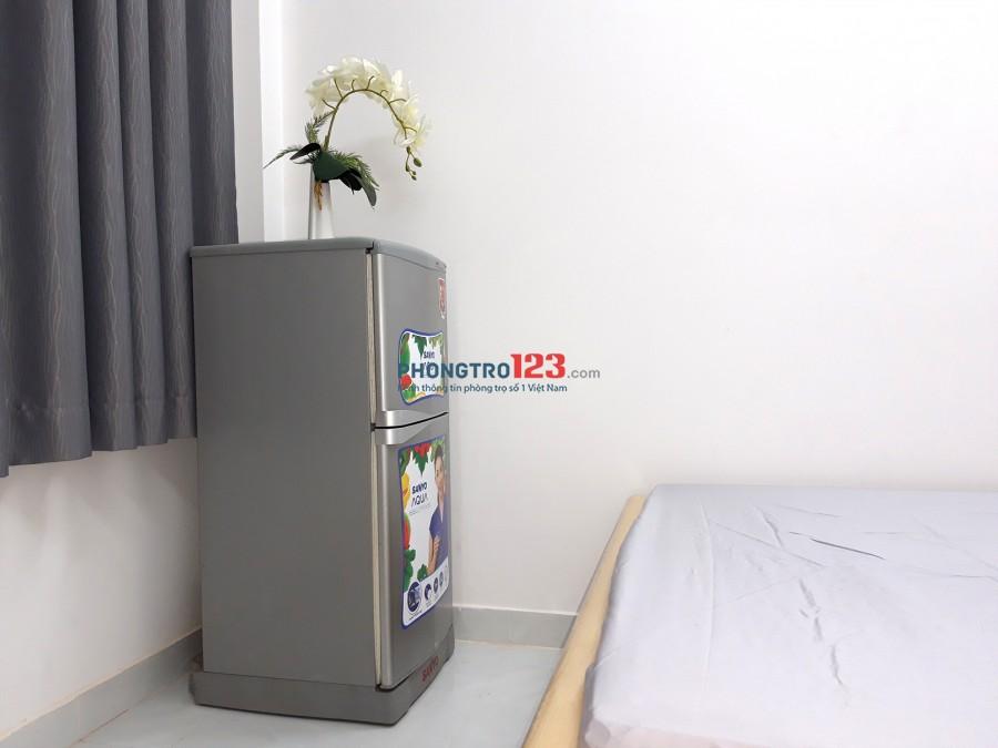 Phòng Máy Lạnh Cửa Sổ 3tr 5 WCR Tự Do Hoàng Diệu