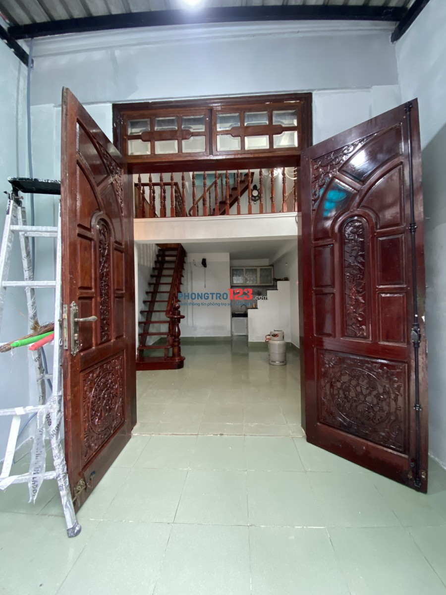 Cho thuê nhà nguyên căn tại 25/2A Lê Văn Thọ GV, Trệt - lửng - 2 lầu. 1 phòng bếp, 1 phòng khách, 2 phòng ngủ
