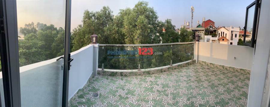 Cho thuê phòng trọ trong nhà nguyên căn có ban công view đẹp rộng khoảng 18m2 giá thuê 3tr5/tháng