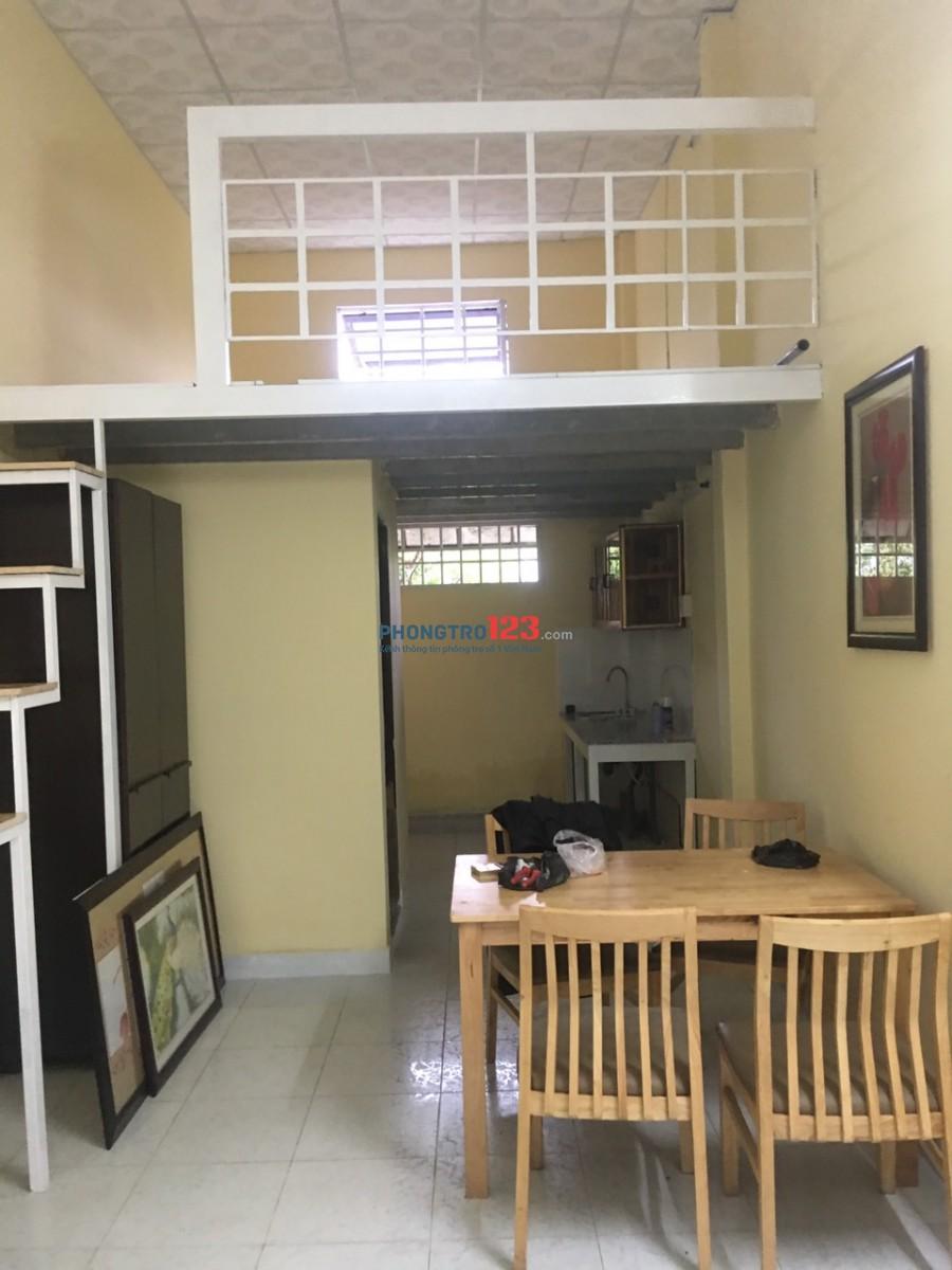 Cho thuê nhà NC có nội thất 1 trệt 1 gác tại 740/25/2 QL13 P HBP Q Thủ Đức giá 5tr/th