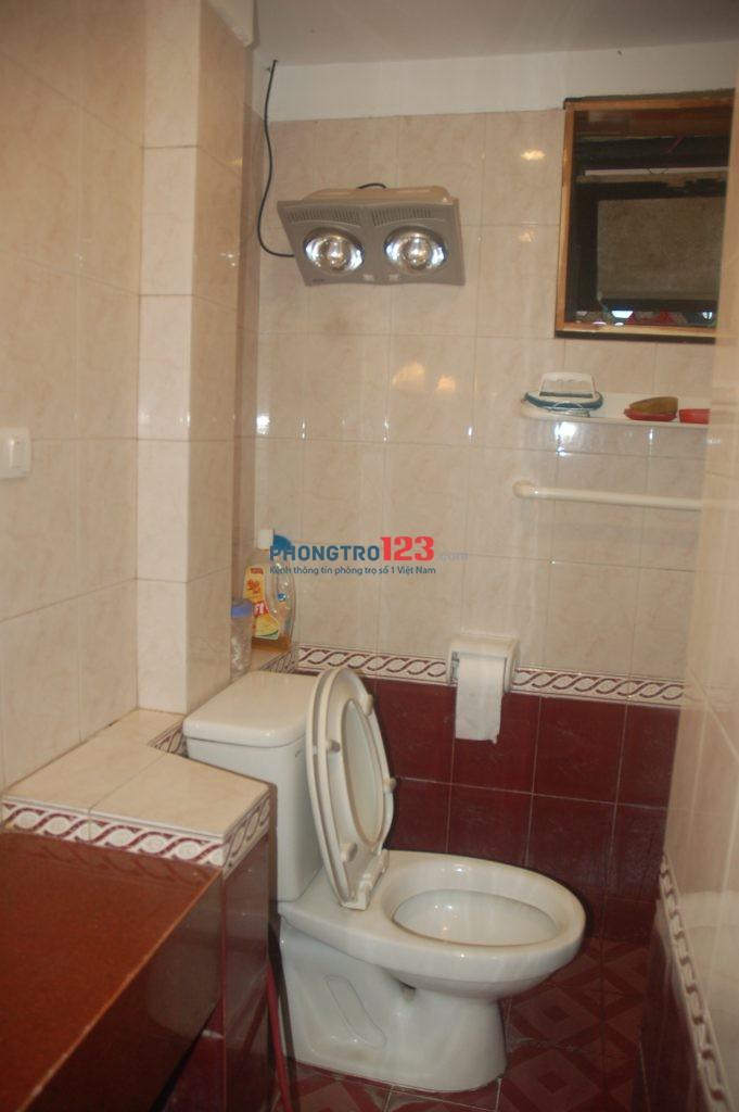 Chính chủ cho thuê nhà tập thể ĐH ngoại thương 121 phố Chùa Láng