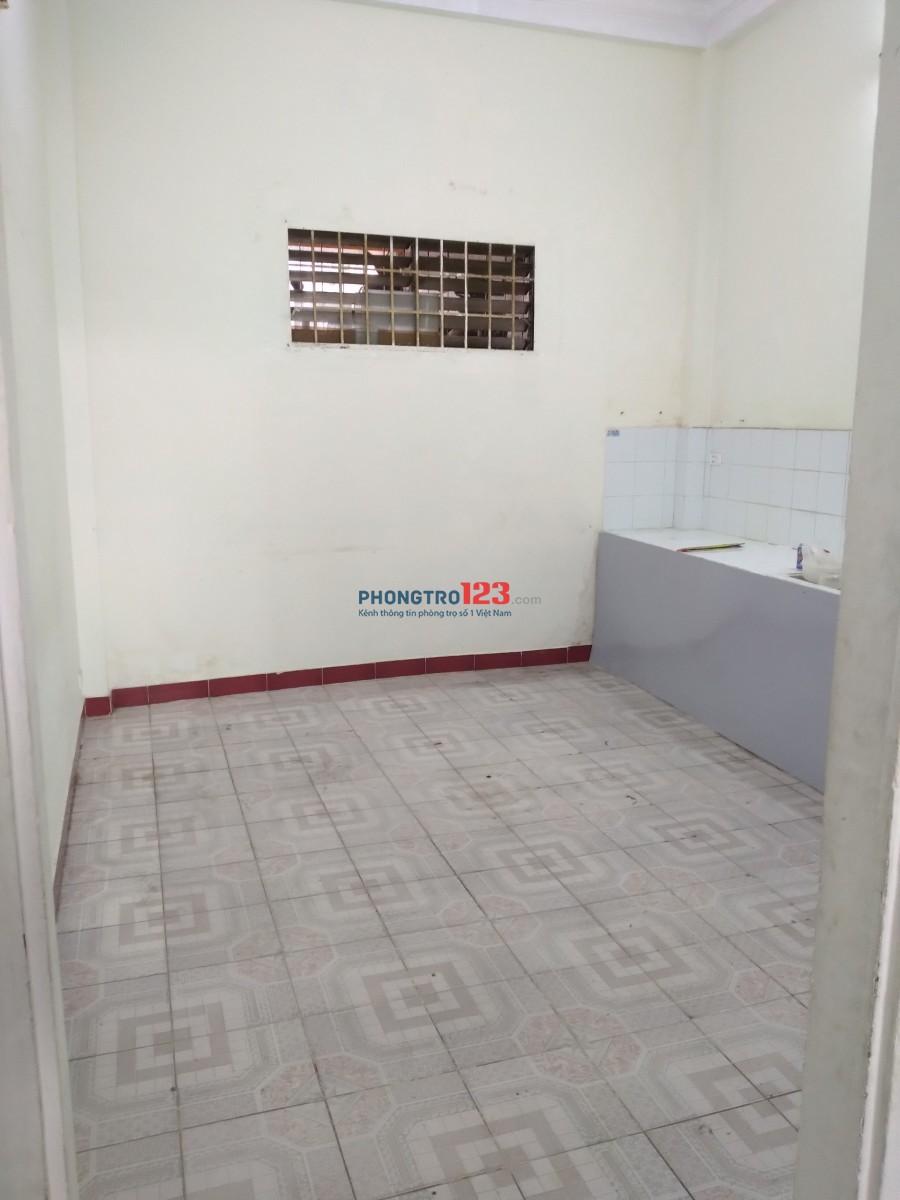 Cho thuê nhà 1 trệt 1 lầu dtsd 100m2 đường C1, P13, Tân Bình