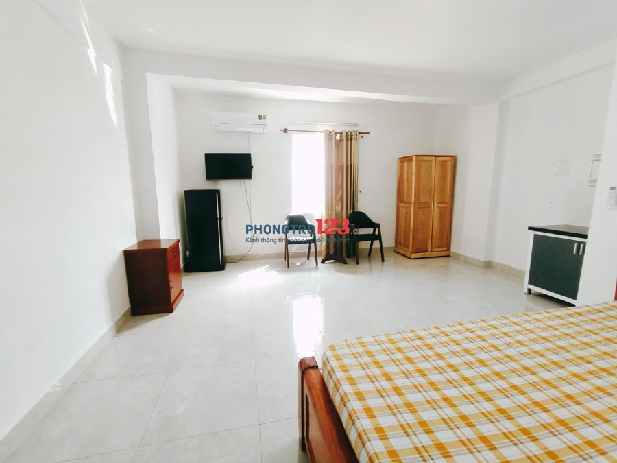 Phòng Full Tiện Nghi Rộng Rãi, Mới Xây Có Cửa Sổ tại 154 Nguyễn Phúc Chu, P15, Tân Bình