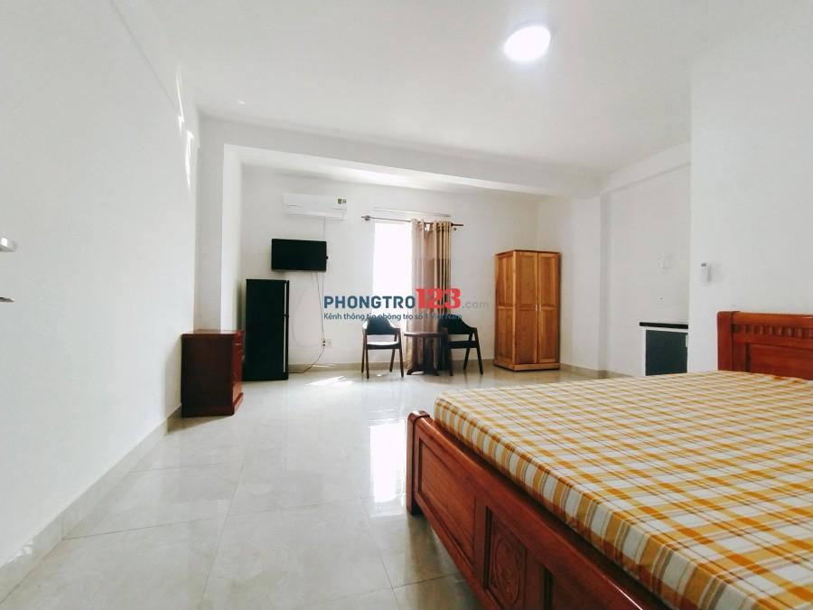 Phòng trọ đầy đủ nội thất gần EAON Tân Phú 28m2 cách eaon 100m