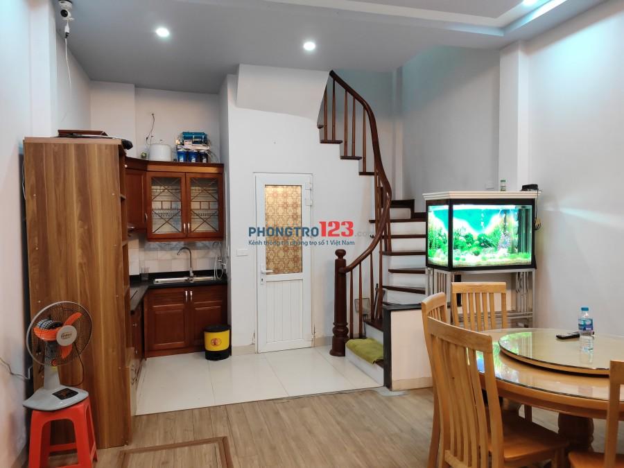 Cho thuê nhà 5 tầng, 30m2, Ngõ 59 Phạm Văn Đồng (gần làng trẻ em SOS)