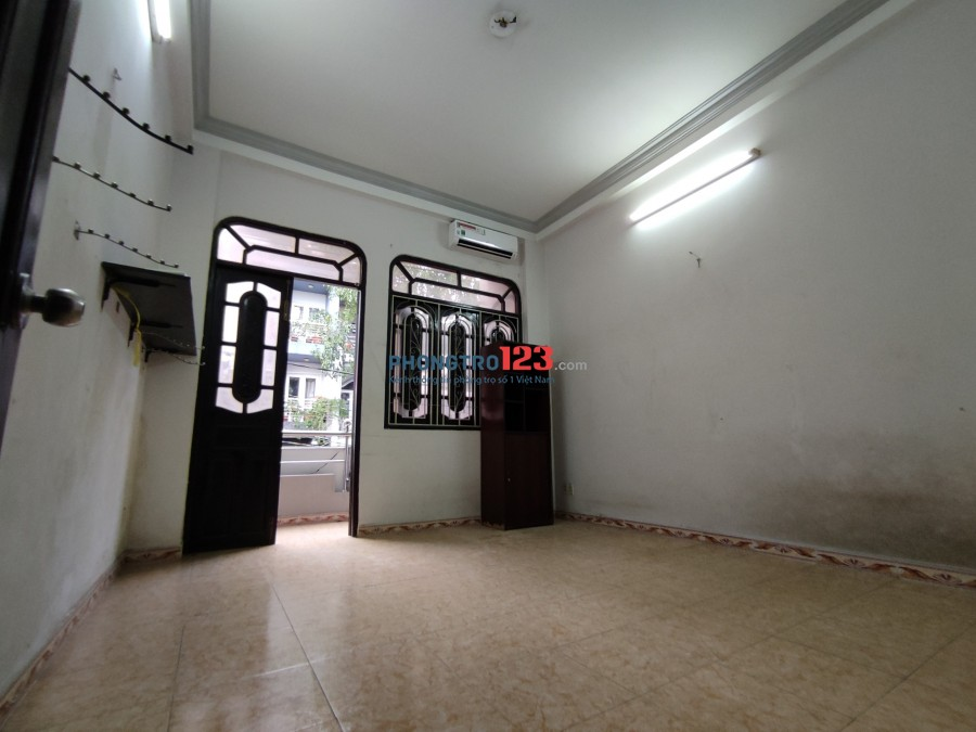 Cho thuê phòng tầng 1 mặt tiền 151 đường Cây Keo, Phường Hiệp Tân, Quận Tân Phú