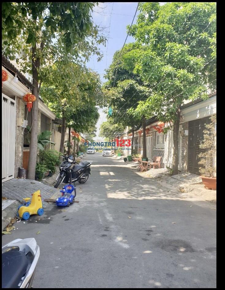 Cho thuê nhà NC 1 lầu 168m2 ở hoặc Sản xuất KD gần ngã tư Bà Điểm Phan Văn Hớn