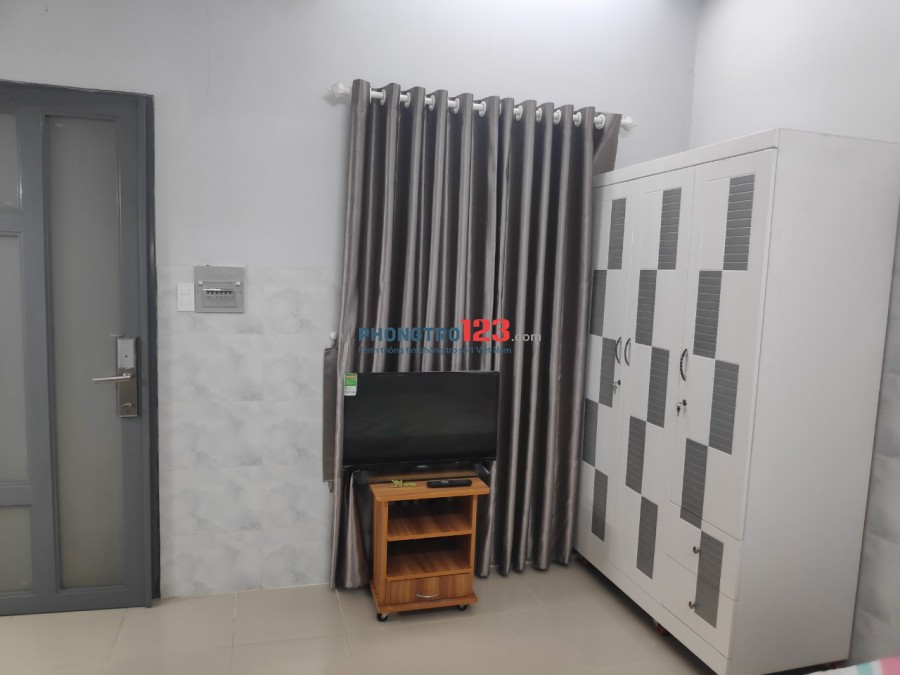 HAPPY HOUSE Q2- Phòng 20m2 3,2tr/tháng