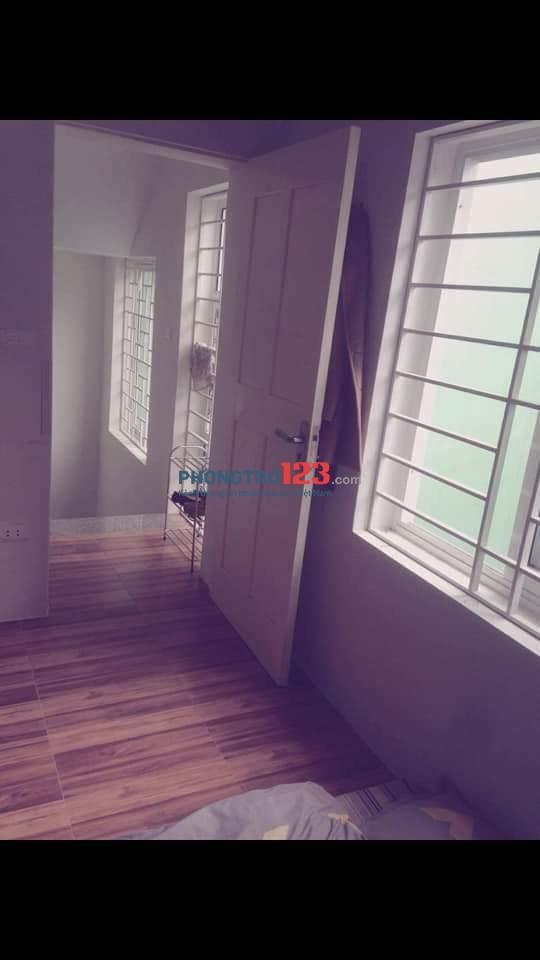 Tìm nữ ở ghép trong chung cư mini tại ngõ 176 Trương Định. Liên hệ: Thương - 0379223666