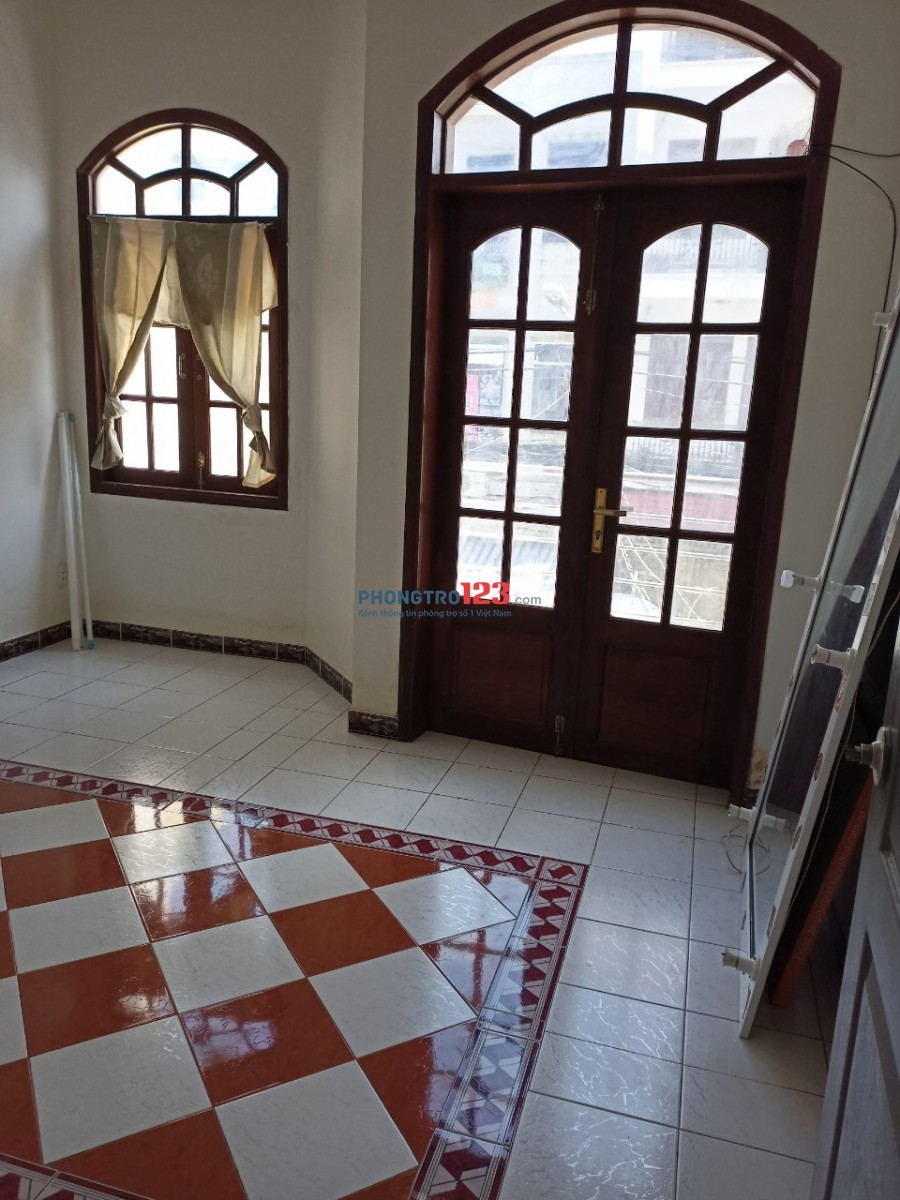 Cho thuê nhà 4x18 1 trệt 1 lầu mặt tiền 23 Đỗ Thừa Luông P Tân Quý Q Tân Phú