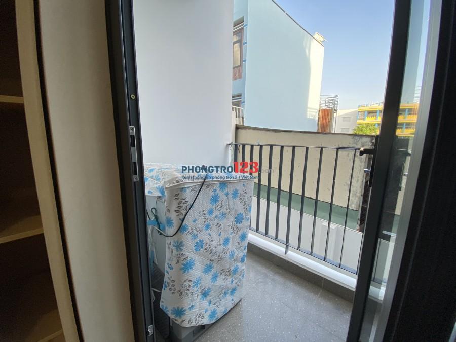Cho thuê căn hộ dịch vụ ban công view siêu đẹp ngay trung tâm quận 7
