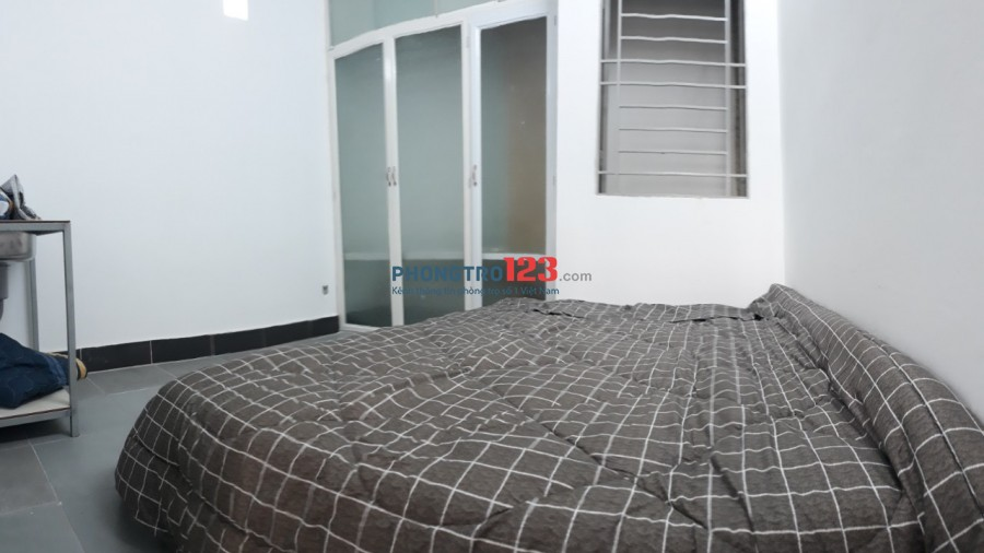 Phòng Cửa Sổ + FULL tiện nghi tại 472/18 CMT.8 Quận 3
