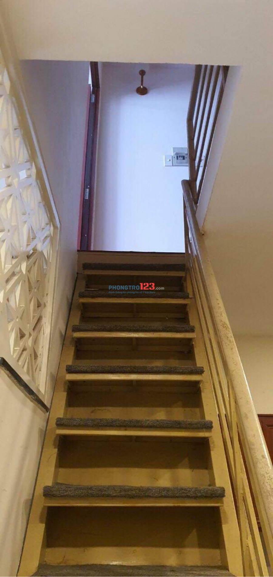 Nhà nguyên căn cho thuê - 1 trệt, 1 lầu