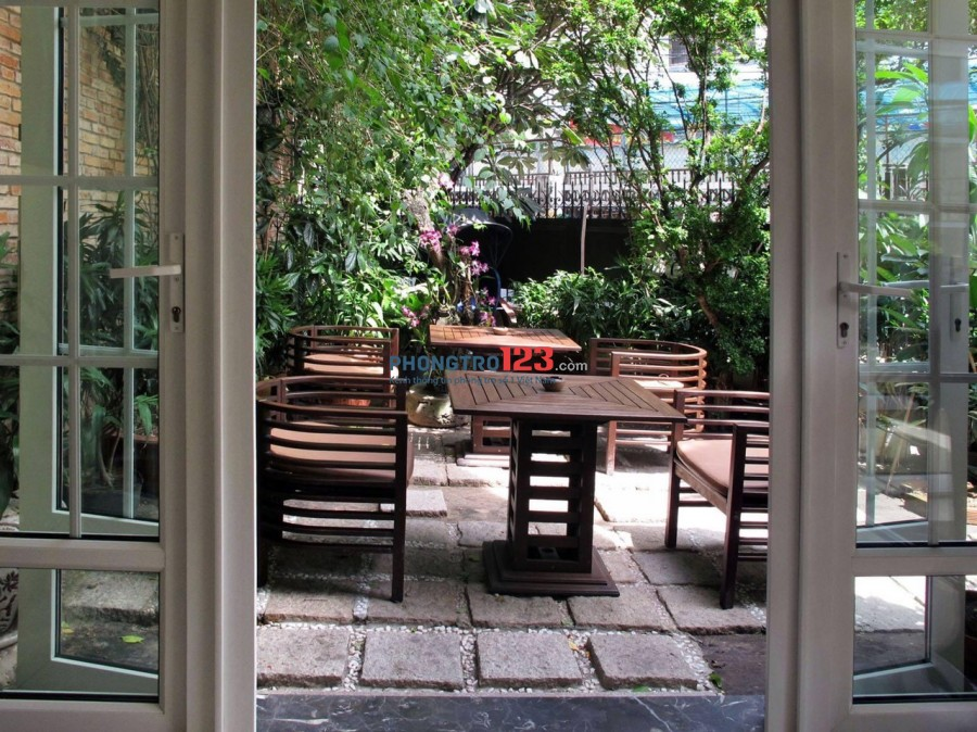 Tìm nữ ở ghép, Kháchsạn 1 sao kiểu Pháp . .CMT8 đối diện Công viên Lê Thi Rieng