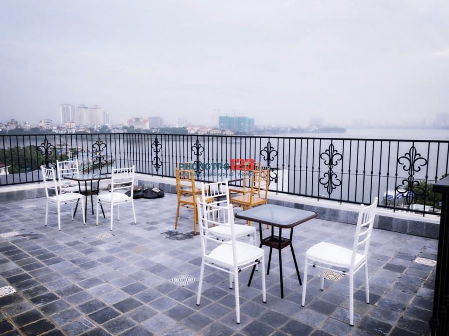 Cho thuê căn hộ 1 phòng ngủ full nội thất view Hồ Tây