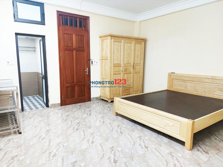 Cho thuê phòng 30m2 - đủ đồ - có máy giặt - có ban công thoáng - đường rộng, ô tô đỗ cửa.