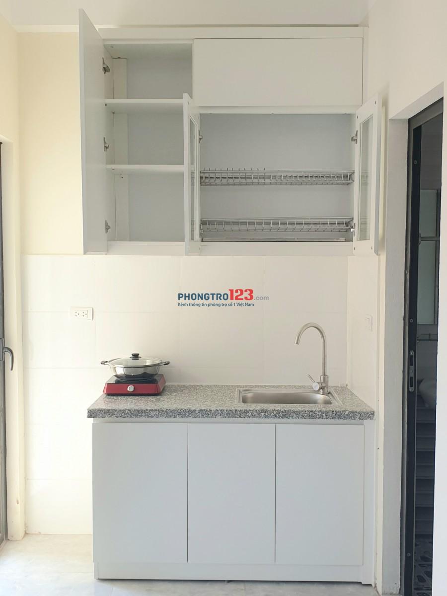 Phòng cho thuê 30m2 - đủ nội thất cơ bản - có ban công thoáng, có máy giặt - đường rộng rãi