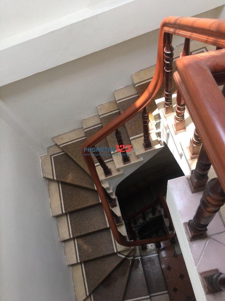 Cho thuê phòng trọ 2tr ĐỦ ĐỒ nhà riêng Chùa Láng cạnh ĐH Ngoại Thương