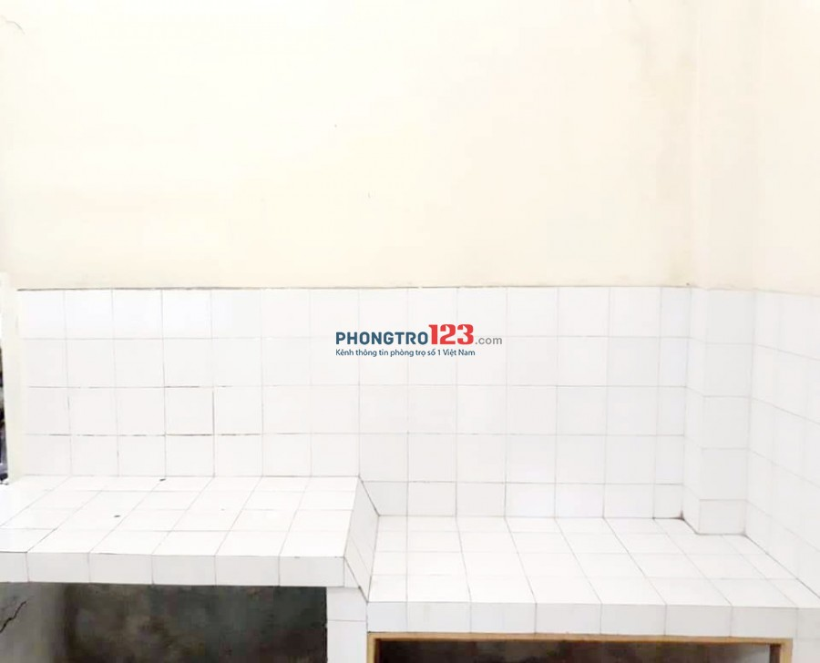 Cho Thuê Phòng Q3 tầng Trệt.18m2(diện tích sử dụng 30m2) giá 2tr900.